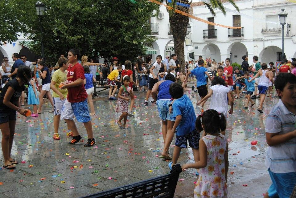 Las asociaciones se reúnen para preparar la feria de agosto