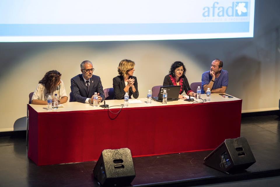 Presentación del Centro de Alzheimer con la presencia de la directora del Sepad Consolación Serrano